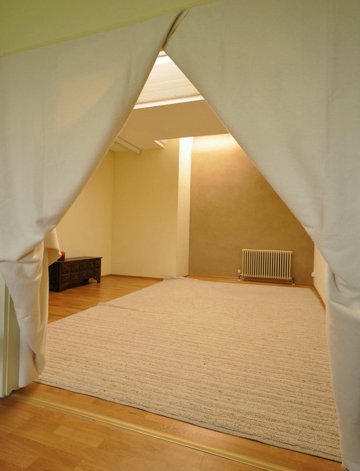 meditationsraum gemeinschaft schloss tempelhof. Black Bedroom Furniture Sets. Home Design Ideas